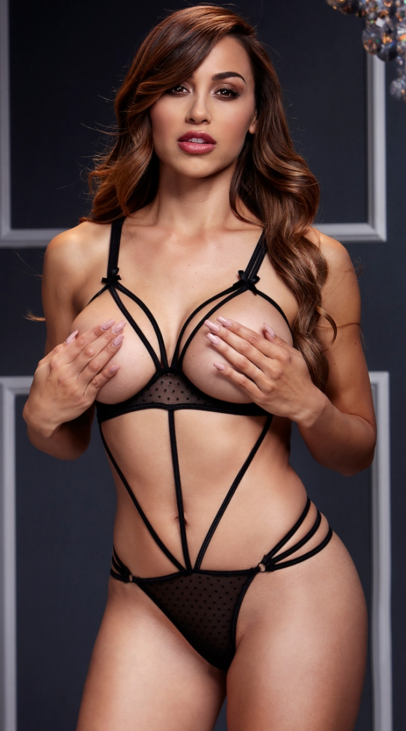 Ana Cheri and Her Sexy Lingerie
